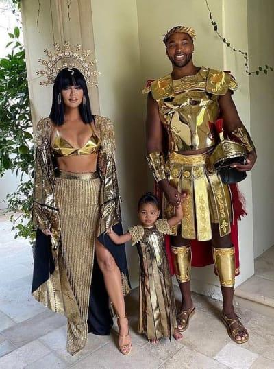 Khloe Kardashian Halloween Photo