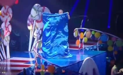Katy Perry Live: Eight Outfits in One Song?!