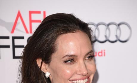 Angelina Jolie, All Smiles