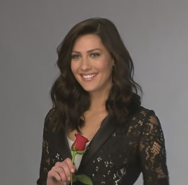 Becca kufrin the bachelorette rose