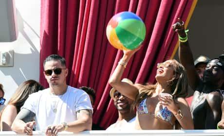 Casper Smart Pouts Jennifer Lopez Happy Las Vegas