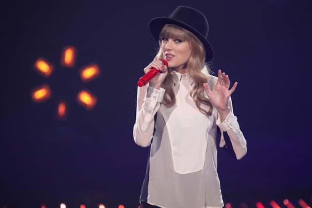 Taylor Swift on X Factor Stage