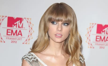 Taylor Swift, Straight Hair