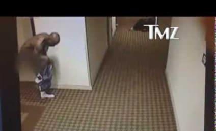 DMX Runs Naked Lap Around Hotel, Just Because