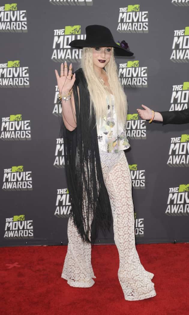 Ke$ha at MTV Movie Awards