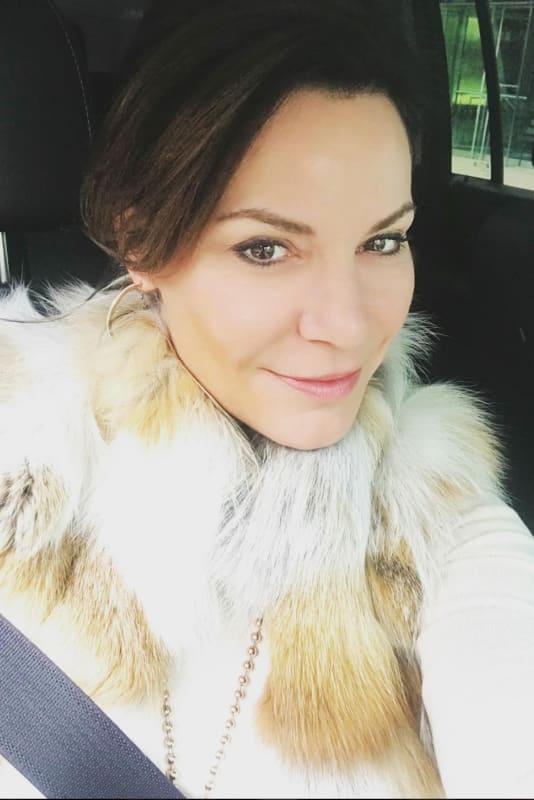 Luann de lesseps a selfie