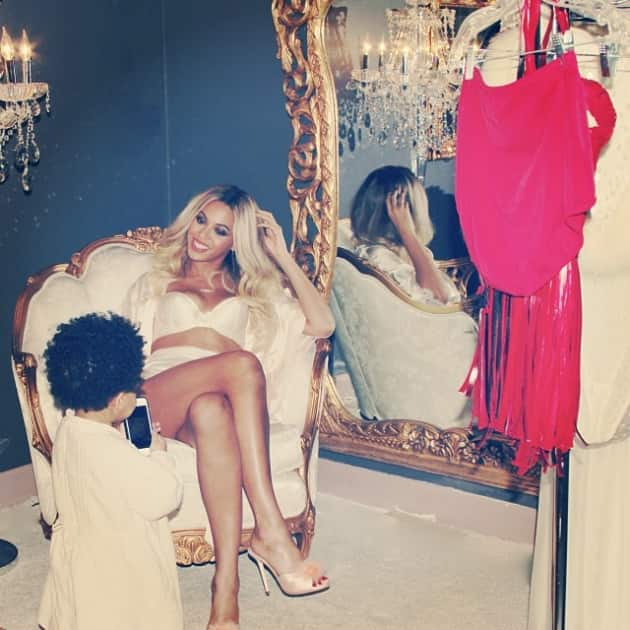 Beyonce Looking Fabulous with Blue Ivy