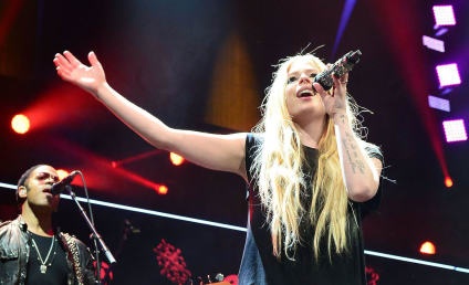 Avril Lavigne Nude Photos Released Online, Part of Expanding Hollywood Hack Job
