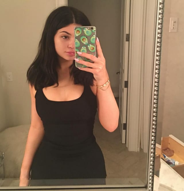 teen-breast-selfies-squatting-pussy-flash-pictures
