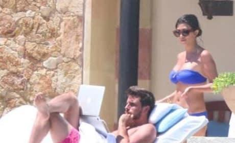 Kourtney Kardashian: Bikini in Cabo!