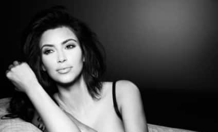 Kim Kardashian: The New Facebook Photo!