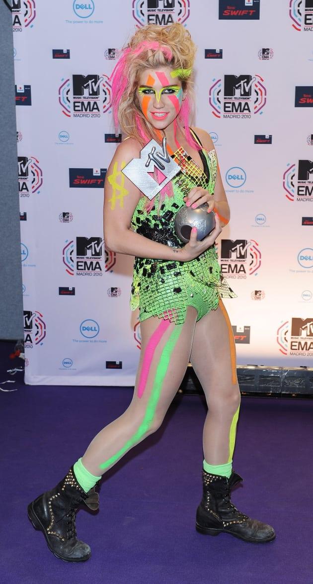 mtv europe fashion face shakira keha hollywood gossip