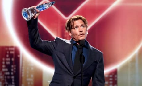 Johnny Depp Wins Icon Award, Thanks Fans for Support