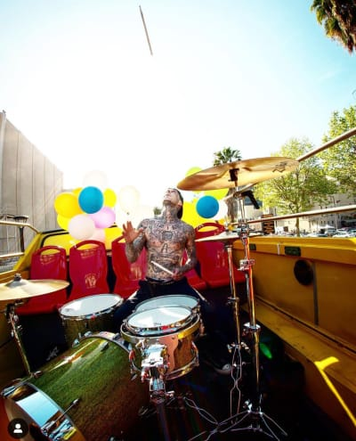 Travis Barker Play the Drums