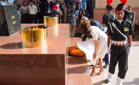 William and Kate Honor WWI Soldiers at India Gate