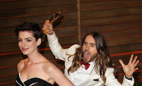 Jared Leto Photobombs Anne Hathaway