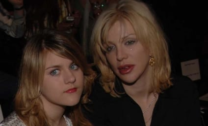 Frances Bean Cobain to Courtney Love: Merry Christmas Kooksmcgee!