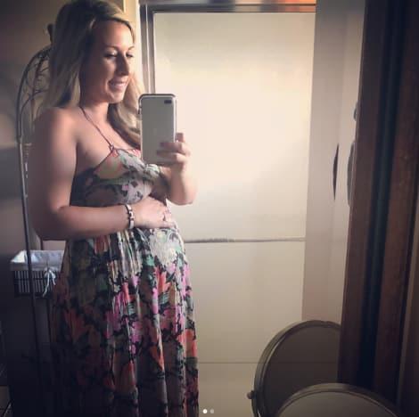 Mackenzie Standifer Bump Selfie