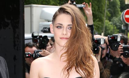 Kristen Stewart: Silky and Lacy for Paris Fashion Show