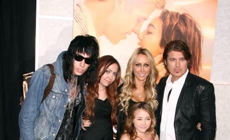 Noah Cyrus Photos - Page 2 - The Hollywood Gossip