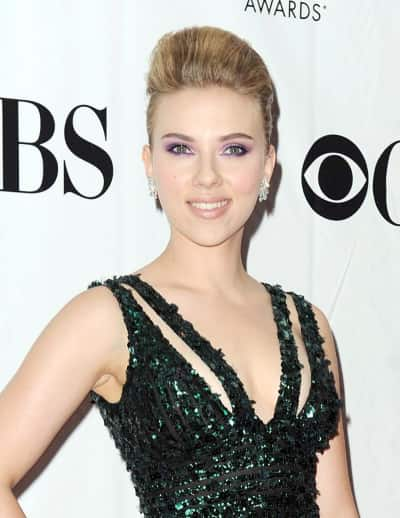 Red Carpet ScarJo