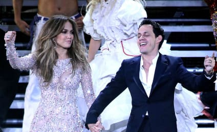 Jennifer Lopez and Marc Anthony Bring Q'Viva! to Vegas, Hold Hands on Stage