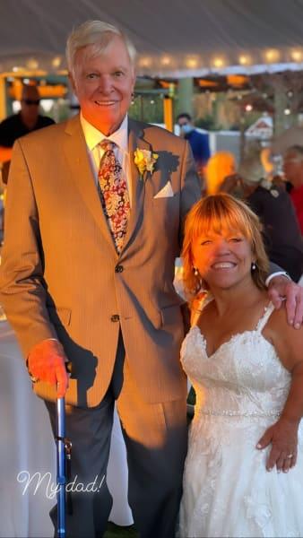 Amy Roloff en papa op bruiloft