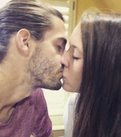 Jill, Derick Dillard Kiss