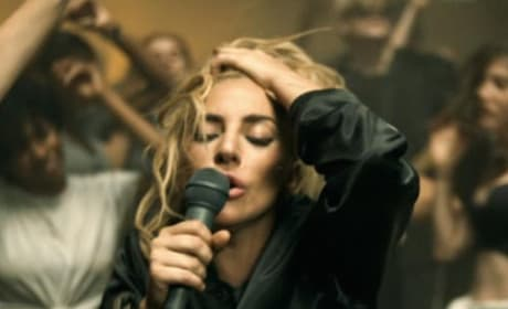 "Lady Gaga ""Perfect Illusion"" Video"