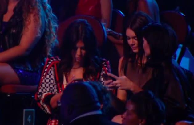 Kim Kardashian, Kendall and Kylie Jenner Texting at VMAs