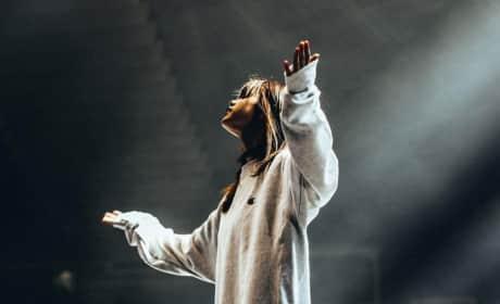 Selena Gomez, Hands Up