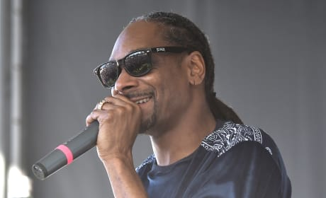 Snoop Dogg on a Stage