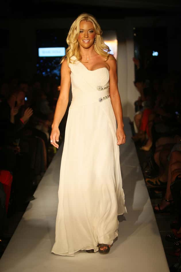 Free wedding dress for low income - Kate Gosselin Walks Runway At Fashion Week What The The