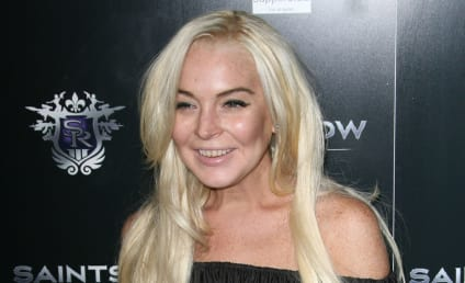 17 Wackest Photos Of Lindsay Lohan: Holy Crap, What Happened To Her?!