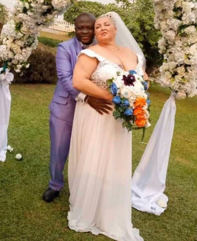 Angela Deem und Michael Ilesanmi Hochzeitsfoto