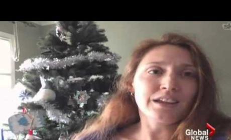 Woman Breastfeeds in Santa Photo, Draws Ire of Internet