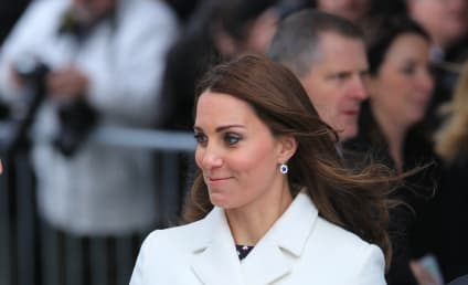 Kate Middleton Baby Bump Pictures: Radiant! Glowing!
