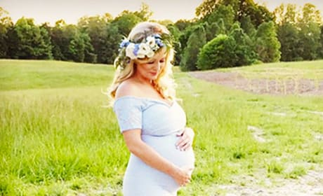 Pregnant Emily Maynard