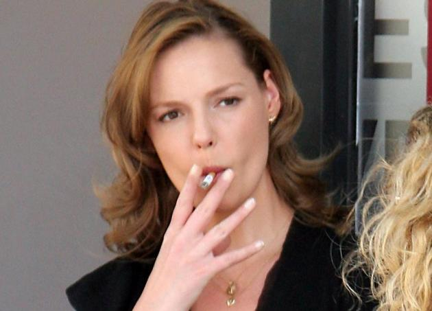 Celebrities who are Chain Smokers - Wetellyouhow