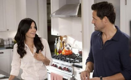 """Courteney Cox """"In Love"""" with Mysterious Cougar Town Co-Star, Source Claims"""