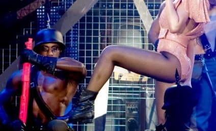 Rihanna: Spotted at LAX!