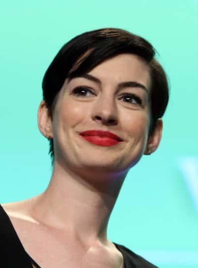 Pretty Anne Hathaway