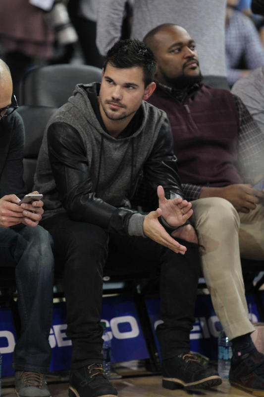 Taylor Lautner Catches A UCLA Basketball Game