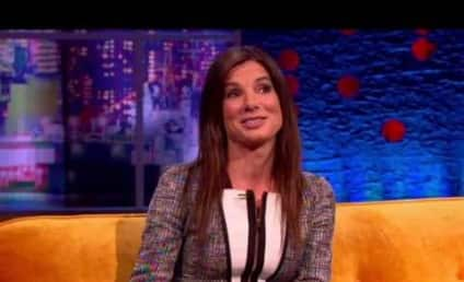 Sandra Bullock Raps, Plays Giant Piano in Heels, Is Totally Awesome