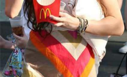 Miley Cyrus Has a Fast Food Fetish