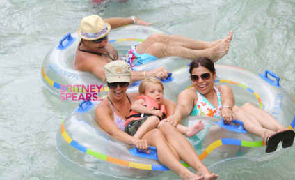 Britney Spears and Sons: At Play in the Bahamas!