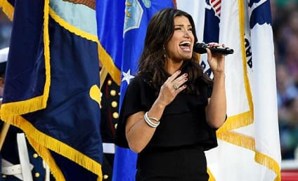 Idina Menzel National Anthem Performance: Grade It!