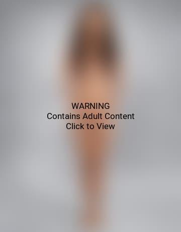 full figures girl naked