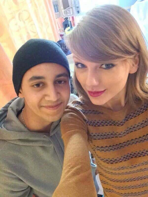 Taylor Swift Poses with Patient