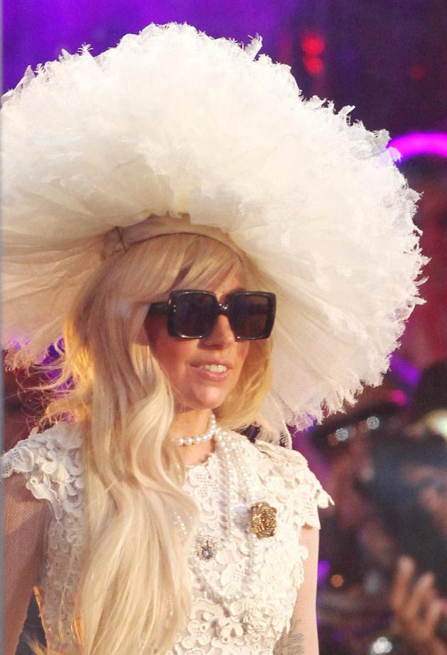 lady gaga unmasked  no makeup  hat or costume